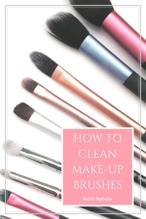 How to naturally clean make-up brushes.